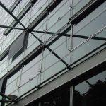 Fassadenmarkise seilgeführt